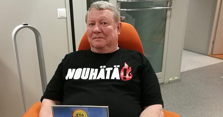 NouHätä!-lähettiläs Risto Vesalainen sai kunniamaininnan elämäntyöstään